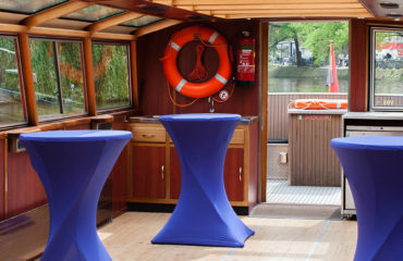 Blue Boat Company Amsterdam | interior canal boat - Reception setting